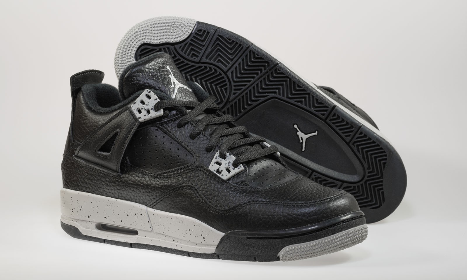 online retailer cd69f 7388b ... Air Jordan 4(IV) Retro BG  Tech Grey  Boys  GS Black ...