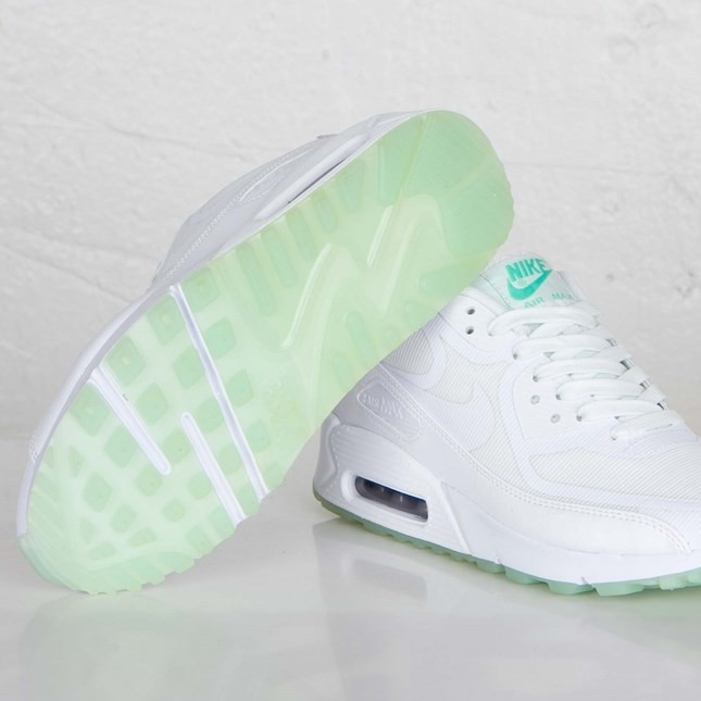 Womens Nike Air Max 90 CMFT Premium Tape White/White/Mint Candy 616466-113 Shoes