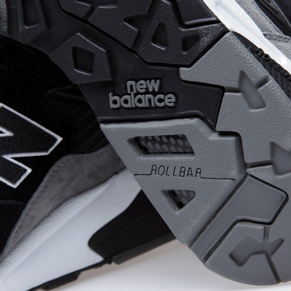 New Balance MT580 Wanted Pack Elite Edition Running Sneaker For Women Black Grey White