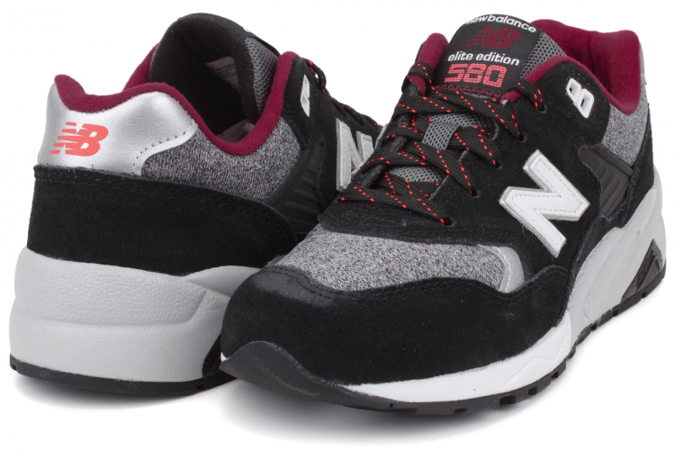 New Balance WRT580BD Elite Edition RevLite Women Trainers Black White Red