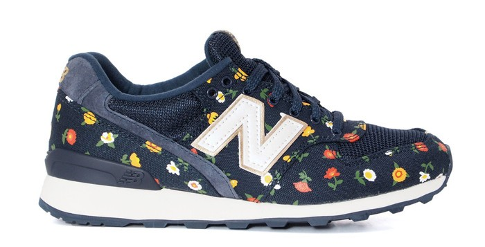 Women New Balance WMNS 996 Floral Navy Sneakers Navy Blue Beige White