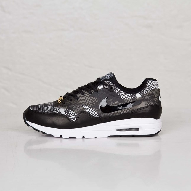 Nike Air Max 1 Ultra BHM QS Womens Sneakers Black/Black-White-Metallic Silver 718451-001