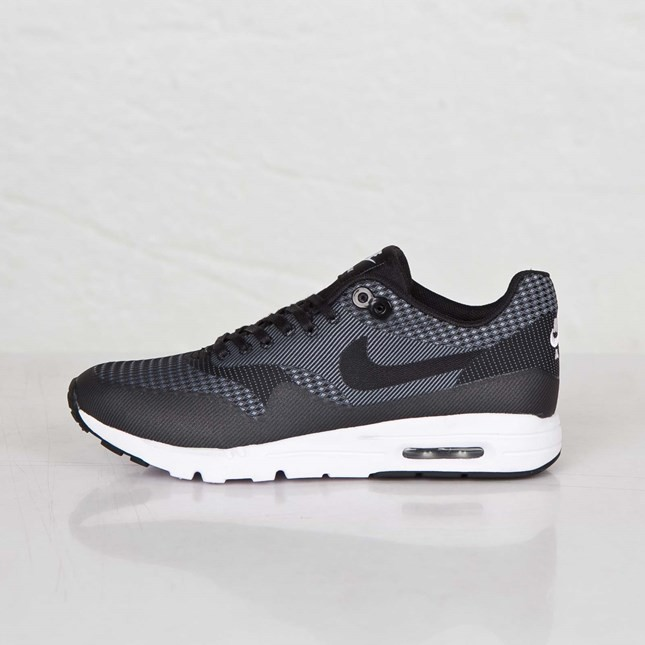 Nike Air Max 1 Ultra Jacquard Running Shoes for Women Black/Black-White-Metallic Silver 704999-001