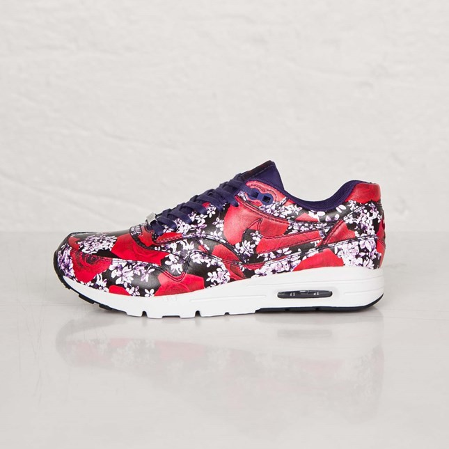 "Nike Air Max 1 Ultra London ""City Pack"" Print Roses and Cherry Blossoms Womens Shoes Ink/Summit White/Team Red/Ink 747105-500"